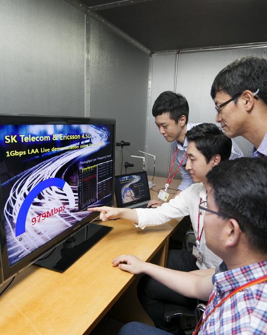 리사이징_170712 sk텔레콤 4.5G, 분당 네트워크 랩실 시연003.jpg