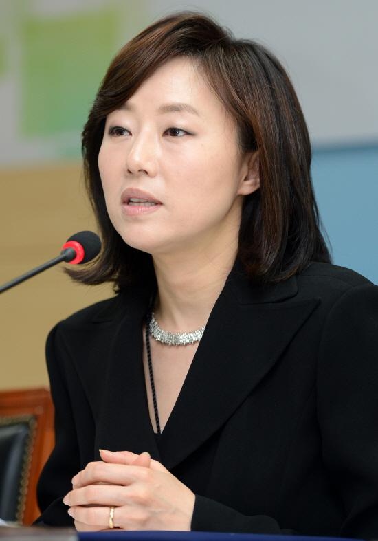 """조윤선 """"아동학대 문제 사회 전체 관심 필요"""""""